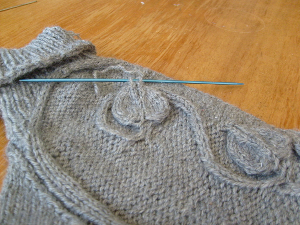Kitchener Stitch Combination Knitting : A Tutorial on Combined Kitchener s Stitch/Swiss Darning for attaching knit ap...